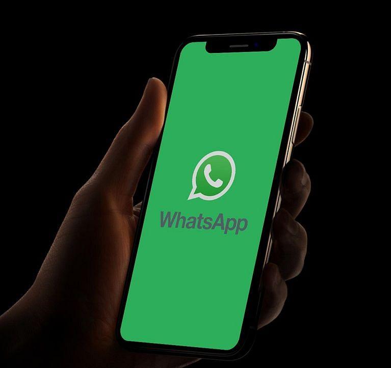 WhatsApp पर आपके प्राइवेट मैसेज पढ़ता है कोई, चौंका देगी यह रिपोर्ट
