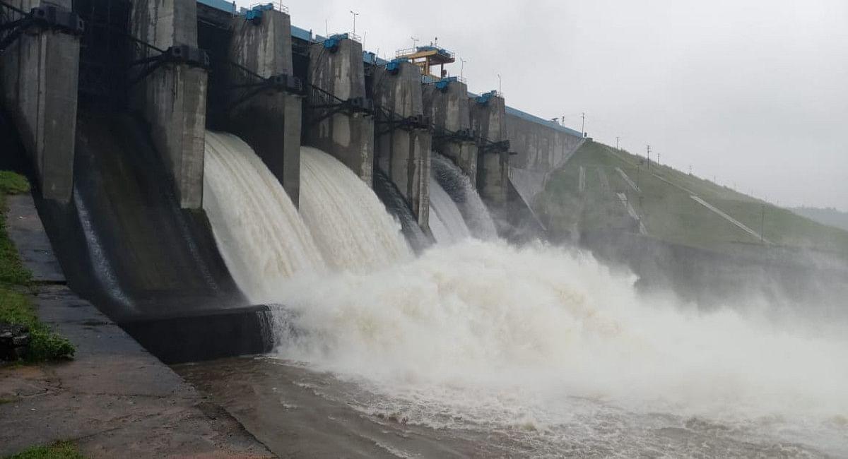 Jharkhand Weather News : लगातार बारिश से रांची का हटिया डैम हुआ ओवरफ्लो, गेतलसूद के दो फाटक भी खाेले गये