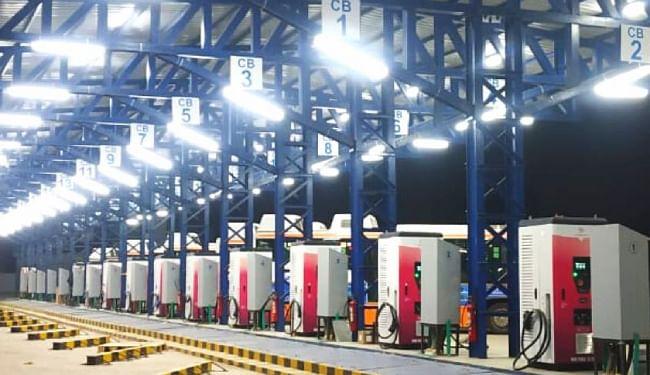 इलेक्ट्रिक वाहनों से अहमदाबाद से मुंबई जाना हुआ आसान, NH-8 पर स्थापित किये गये 8 चार्जिंग स्टेशन