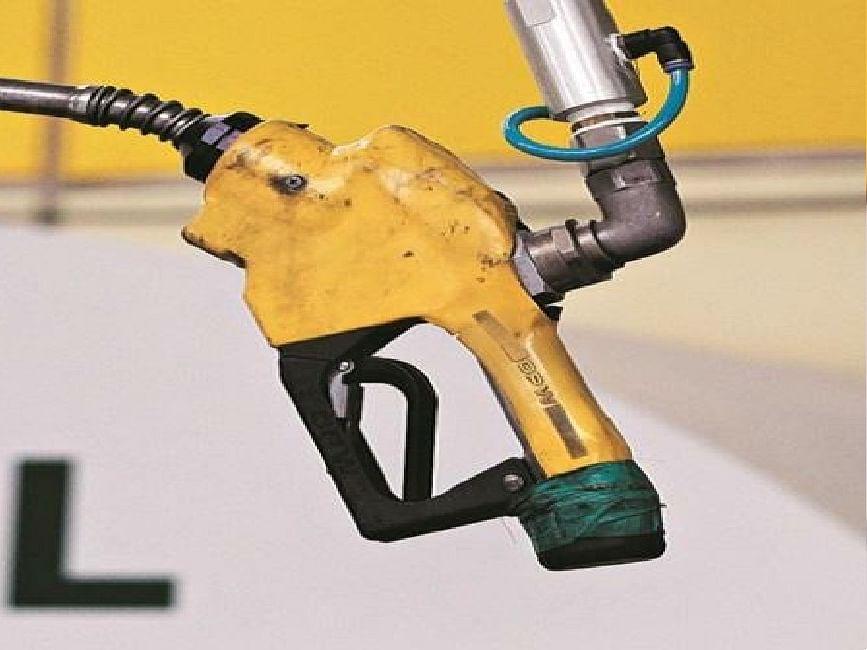 फिर बढ़ सकते हैं डीजल-पेट्रोल के दाम, जानिए आपके शहर में आज क्या है तेल का भाव