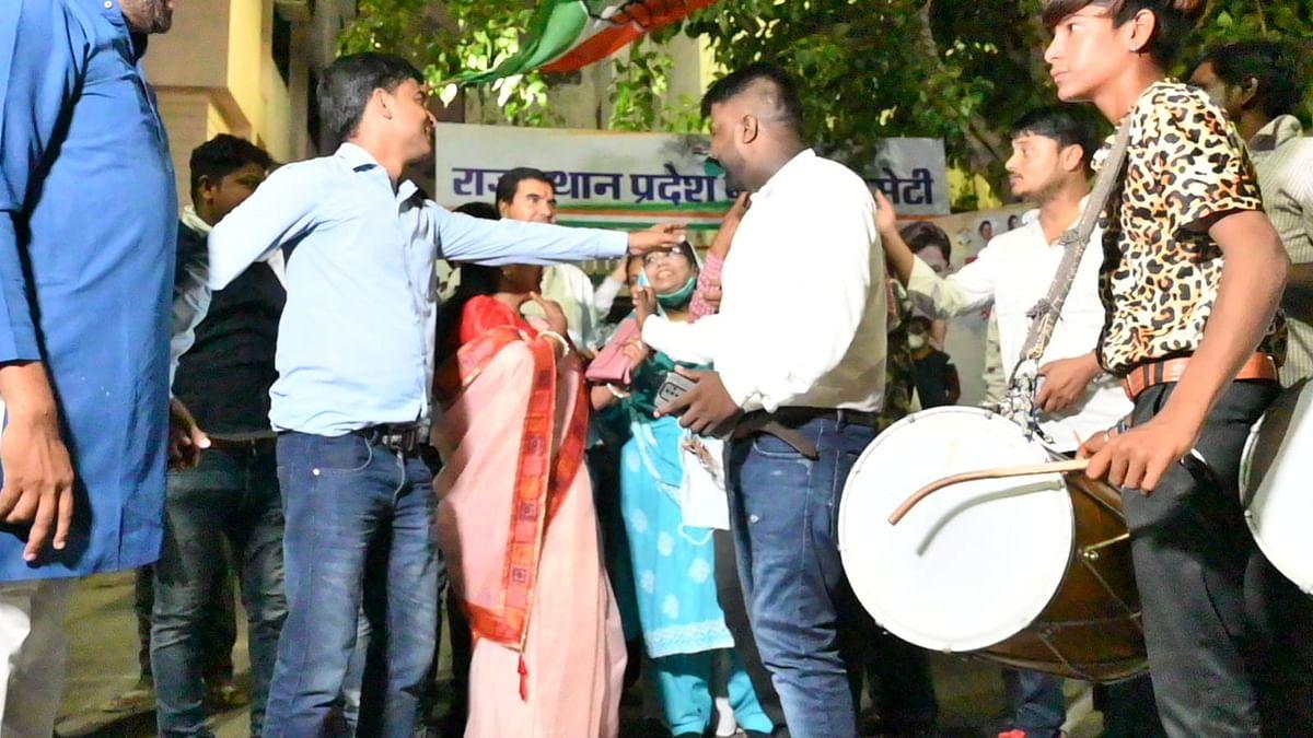 Rajasthan News: जयपुर कांग्रेस में बगावत! पार्टी कैंडिडेट के खिलाफ रमा देवी ने भरा पर्चा, हरकत में दिग्गज नेता