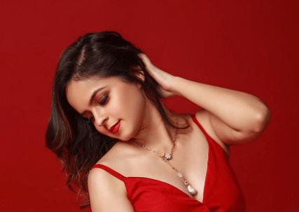 Taarak Mehta Ka Ooltah Chashmah: सोनू ने फिर किया इंटरनेट का पारा हाई, रेड डीप नेक ड्रेस में दिखी बेहद ग्लमैरस
