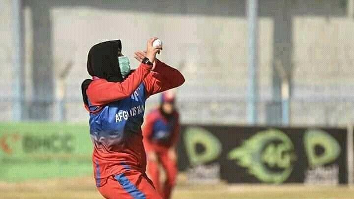 तालिबान के डर से अफगानिस्तान की महिला क्रिकेटर ने छोड़ा देश, कहा- ICC ने हमें अकेला छोड़ दिया