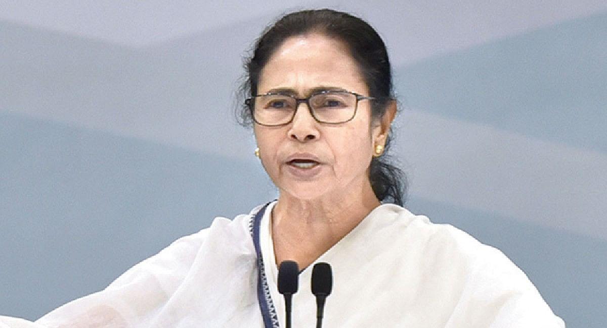 भवानीपुर में ममता बनर्जी ने की भावुक अपील, बोलीं- अब हारूंगी तो नहीं रह जाऊंगी आपकी सीएम