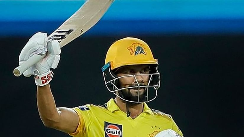 IPL 2021: धमाकेदार बल्लेबाजी कर ऋतुराज ऑरेंज कैप की रेस में, पर्पल कैप की दौड़ में दीपक चाहर भी