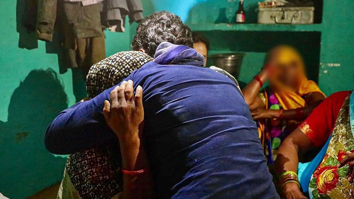 Hathras Case: प्रियंका गांधी ने ट्वीट कर सीएम योगी से पूछा, हाथरस की बेटी को न्याय कब मिलेगा?