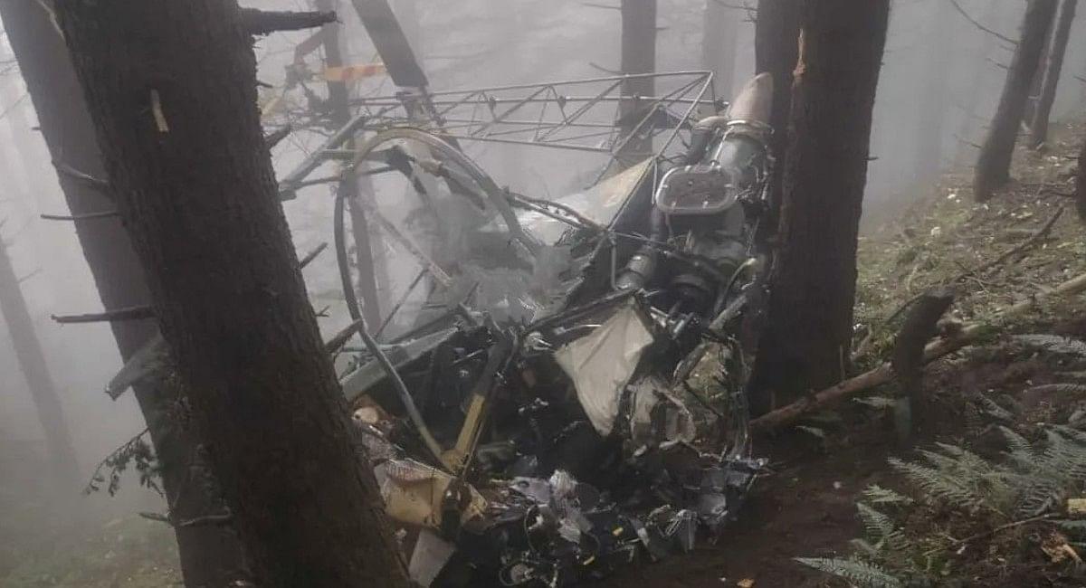 जम्मू-कश्मीर में सेना का चीता हेलीकॉप्टर दुर्घटनाग्रस्त, दो पायलटों की मौत