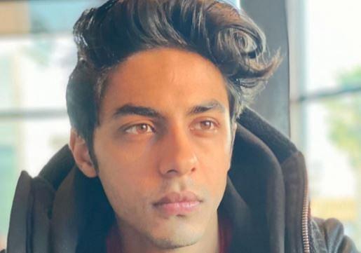शाहरुख खान के बेटे आर्यन इंस्टाग्राम पर इन स्टार्स को नहीं करते फॉलो, नाम जानकर चौंक जाएंगे आप