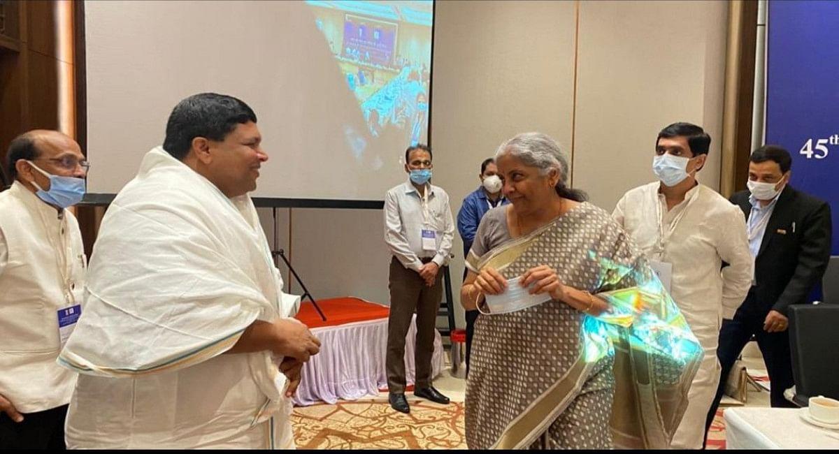 लखनऊ में GST काउंसिल की बैठक में शामिल हुए झारखंड के कृषि मंत्री बादल पत्रलेख, वित्त मंत्री से हुई मुलाकात