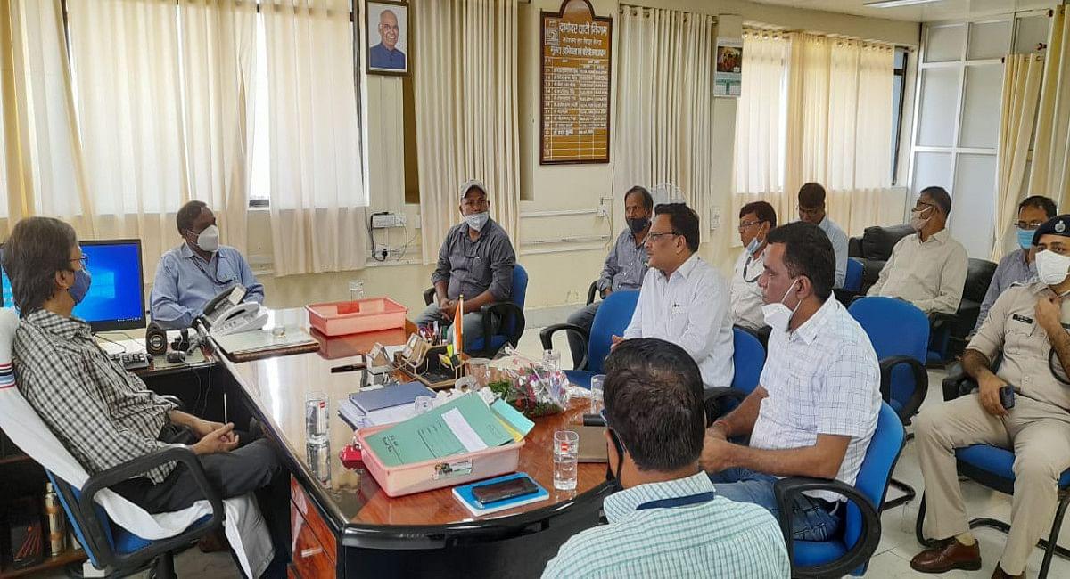Indian Railways News: बोकारो व जमशेदपुर के सीमेंट कंपनी में ट्रेन से पहुंचेगा फ्लाई ऐश, KTPS पहुंचे रेल DRM