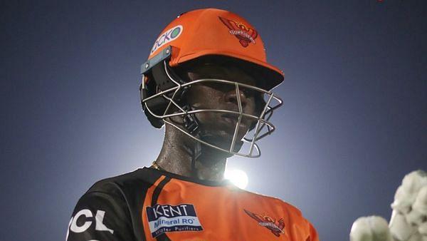 Sunrisers Hyderabad के खिलाड़ी पर टूटा दुखों का पहाड़, पिता का हुआ निधन, बायो-बबल छोड़े लौटेंगे देश