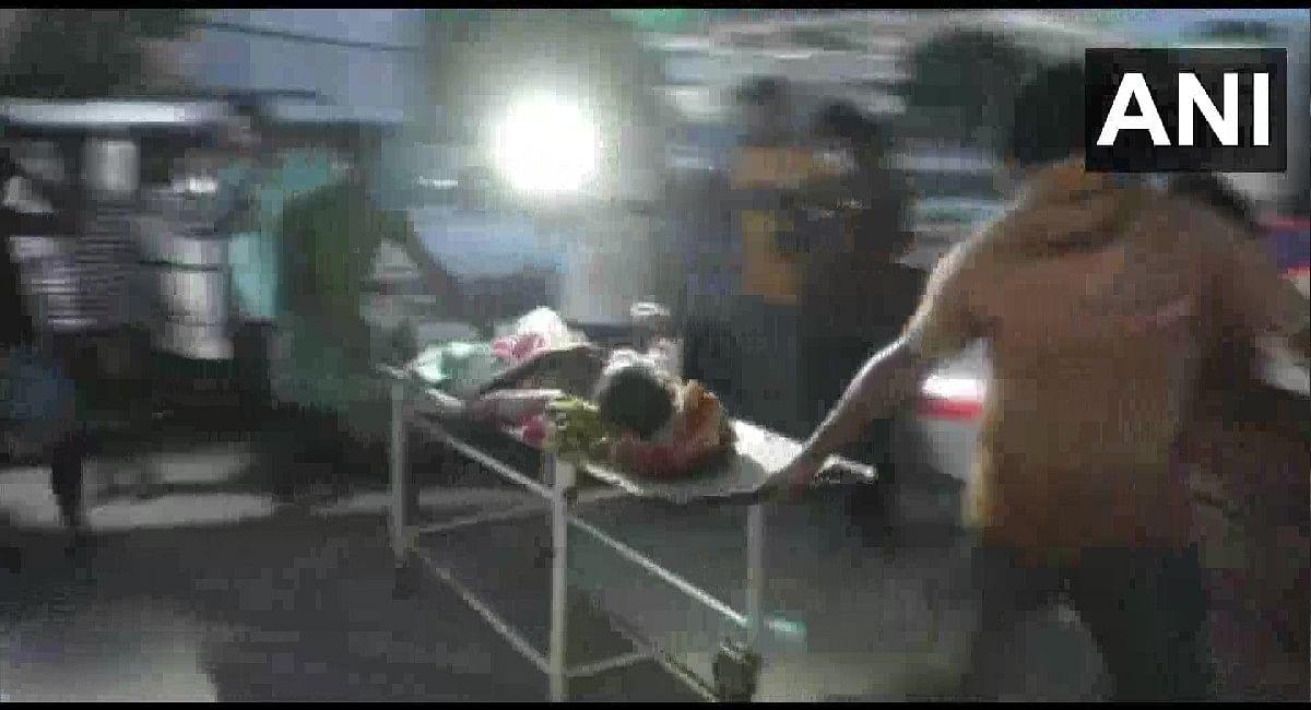 Assam Clash Viral Video : प्रदर्शनकारी के शव के साथ बर्बरता का वीडियो वायरल, कैमरामैन गिरफ्तार