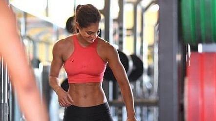 Allison Stokke: महिला एथलीट के लिए खूबसूरती बन गयी काल, एक फोटो ने कर दिया करियर तबाह
