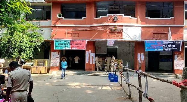 जहानाबाद के स्वामी सहजानंद कॉलेज में बने मतगणना केंद्र