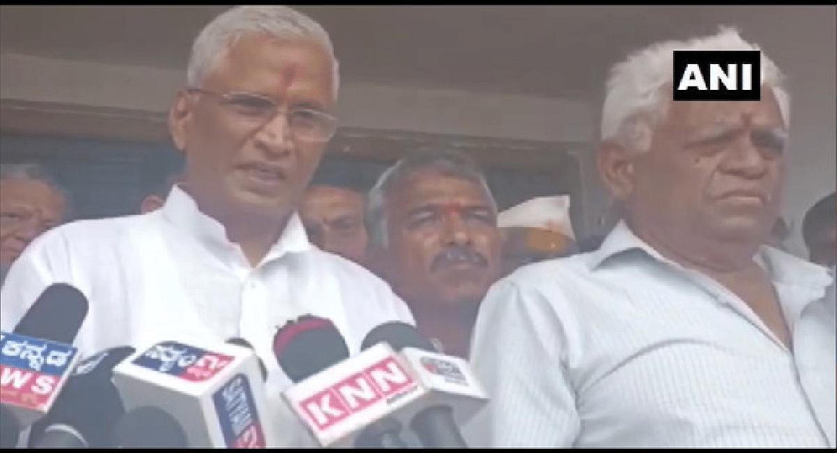 कर्नाटक : कांग्रेस छोड़ते समय विधायक श्रीमंत पाटिल से भाजपा ने पूछा पैसे चाहिए या...