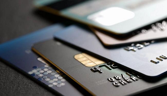 फर्जी पहचान पर 10वीं पास ने लिया क्रेडिट कार्ड, विदेशी बैंकों को लाखों का चूना लगाकर खरीदी एमजी हेक्टर
