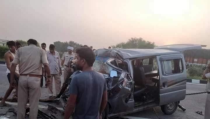 राजस्थान में भीषण हादसा : कार-ट्रक की टक्कर से REET परीक्षा देने जा रहे 5 स्टुडेंट की मौत, गहलोत ने जताया दुख