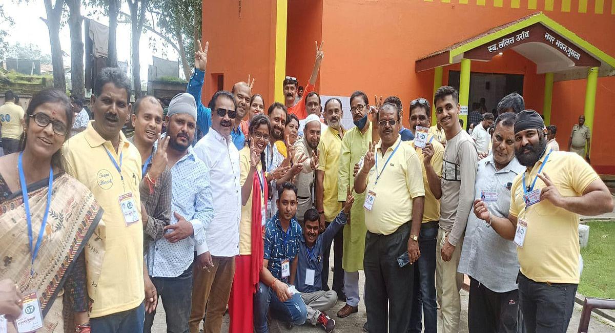 Jharkhand News : हो-हंगामा के बीच चेंबर ऑफ कॉमर्स गुमला का हुआ चुनाव, भारी बारिश के बीच 82 प्रतिशत मतदान