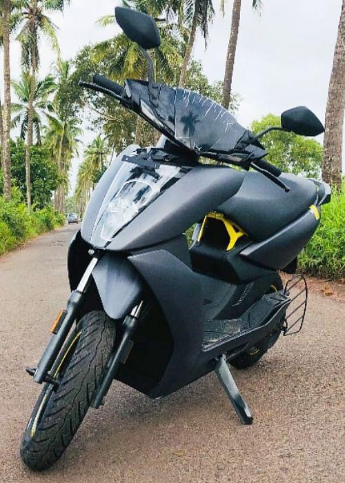 24,000 रुपये कम हुई इलेक्ट्रिक स्कूटर की कीमत, केवल 3.9 सेकेंड में शून्य से 40 किमी की पकड़ती है रफ्तार