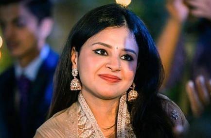 ऑफ शोल्डर ड्रेस में बेहद हसीन दिखी Sakshi Dhoni, देखिए मिसेज धोनी की ग्लैमरस PHOTOS