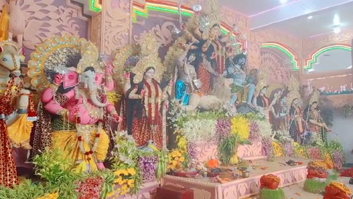 Navratri 2021: मां की भक्ति में डूबा पटना शहर, दर्शन करने के लिए पूजा पंडालों में लगी श्रद्धालुओं की भीड़