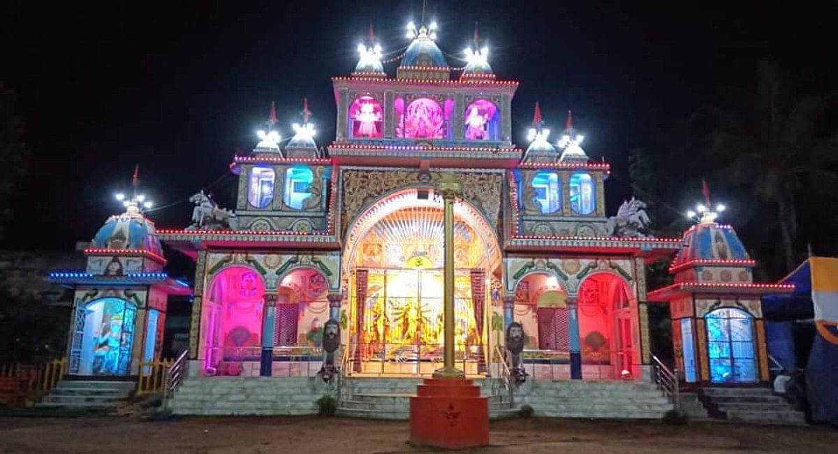 Durga Puja 2021: सरायकेला राजवाड़े की दुर्गा पूजा है कई मायने में खास, 16 दिनों तक होती है आराधना, देखें Pics