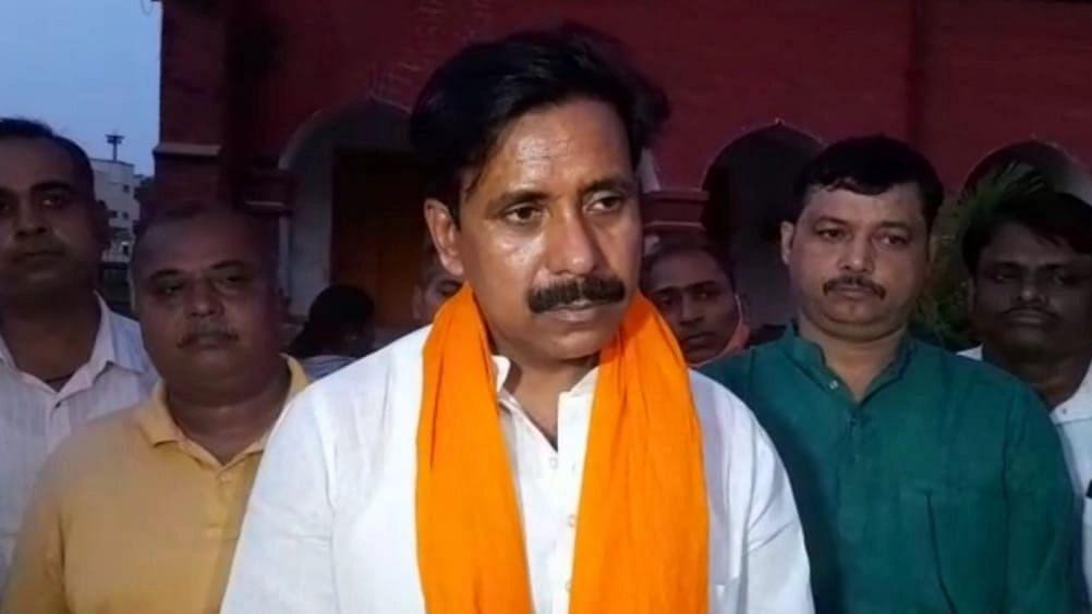 Varanasi News: किसानों को हथियार बनाना चाहता है विपक्ष, राहुल-प्रियंका बना रहे भगदड़ का माहौल: अनिल राजभर