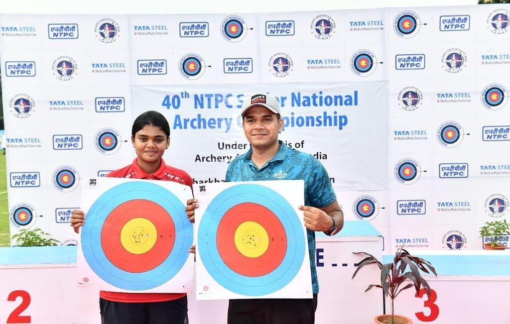 40वीं सीनियर नेशनल आर्चरी चैंपियनशिप : अभिषेक वर्मा व ज्योति सुरेखा ने जीता गोल्ड, बनाया नेशनल रिकॉर्ड
