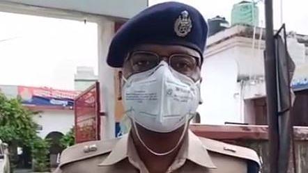Gorakhpur Crime News: कोतवाली क्षेत्र में सिद्धार्थनगर के व्यवसायी से पुलिस बनकर 80 हजार रुपये की टप्पेबाजी