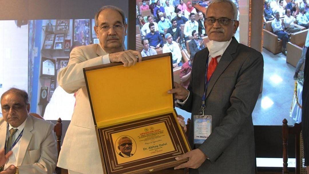 Aligarh News: AMU में यूपी ऐसिकोन-2021 का आयोजन, सर्जरी की आधुनिक तकनीक पर हुई चर्चा, जानें क्या रहा खास
