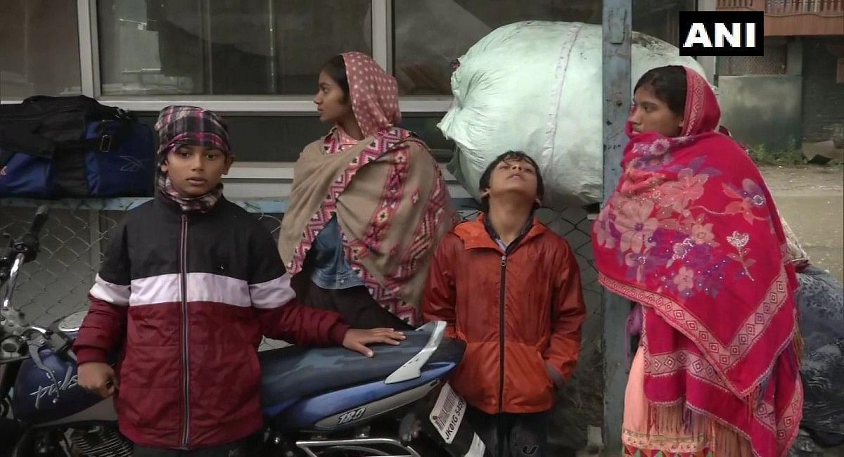 जम्मू-कश्मीर को भारी संख्या में छोड़ने लगे प्रवासी मजदूर, आतंकियों पर एक्शन के लिए अमित शाह ने उठाए सख्त कदम