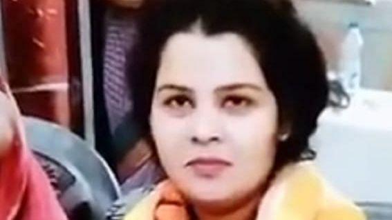 Aligarh News: अलीगढ़ के बहुचर्चित ऑक्सीजन प्लांट की मालकिन का फंदे पर झूलता मिलता शव, बेटी ने कही यह बात