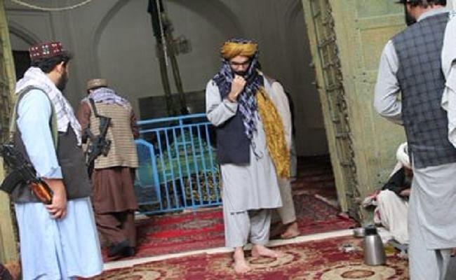महमूद गजनवी की कब्र पर पहुंचा तालिबानी नेता अनस हक्कानी, सोमनाथ मंदिर के हमलावर को बताया योद्धा