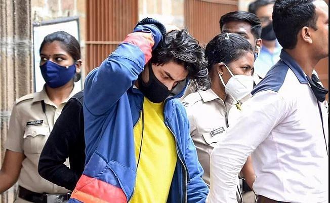Aryan Khan Drugs Case : आर्यन खान केस में हुआ बड़ा खुलासा, सादे कागज पर NCB ने करवाए साइन, 18 करोड़ में डील