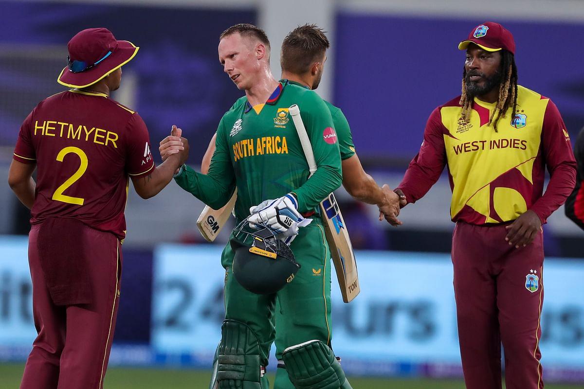 WI vs SA T20 World Cup: वर्ल्ड चैंपियन वेस्टइंडीज की लगातार दूसरी हार, दक्षिण अफ्रीका ने 8 विकेट से हराया