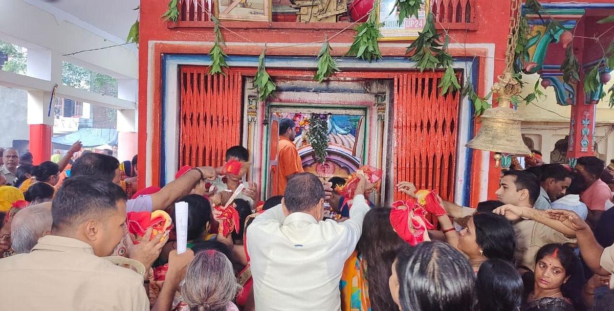 वाराणसी में इस जगह पर स्थित है मां शैल्य देवी की मंदिर, नवरात्रि के पहले दिन जुटी भक्तों की भारी भीड़