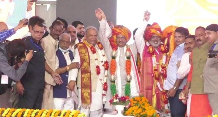 चुनावी साल में BJP के प्लान पर फिरा पानी, सपा सांसद सुखराम यादव ने पार्टी में शामिल होने से किया इंकार