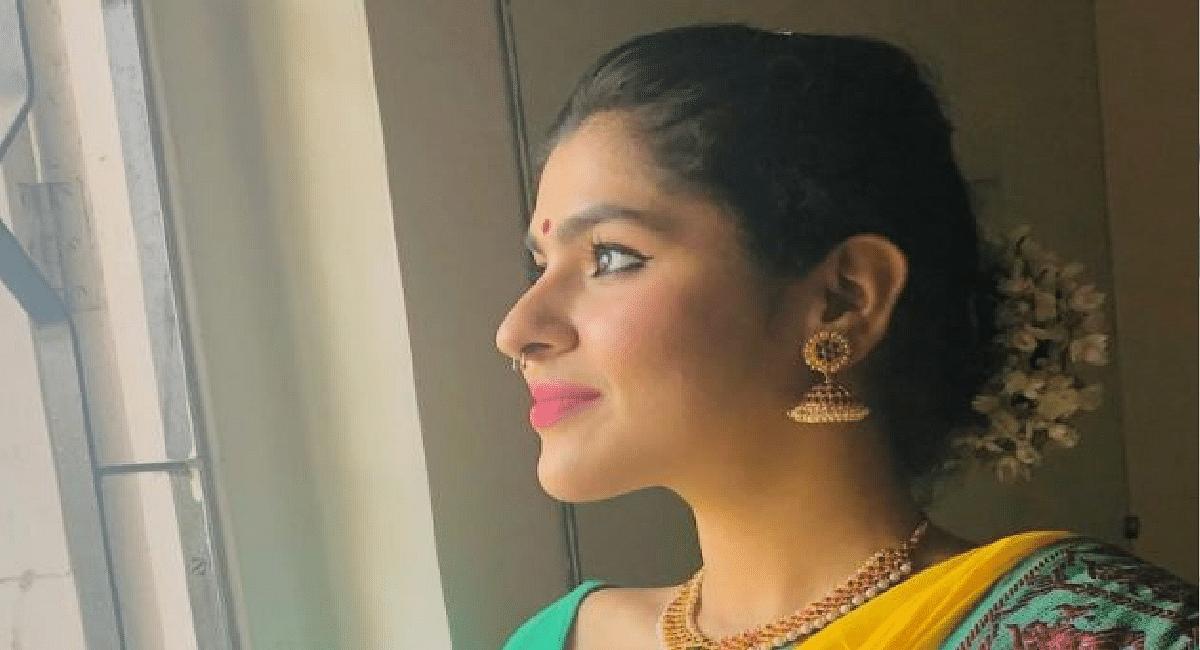 TMKOC: बिकिनी नहीं इस बार ट्रेडिशनल लुक में नजर आई 'सोनू भिड़े', बालों में गजरा लगाए दिखी बेहद हसीन