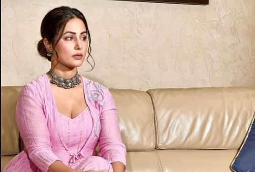 Hina Khan ने बिग बॉस कंटेस्टेंट को हिंसक व्यवहार के लिए लगाई लताड़,बोलीं- शो स्मैकडाउन और रॉ जैसा लग रहा है...
