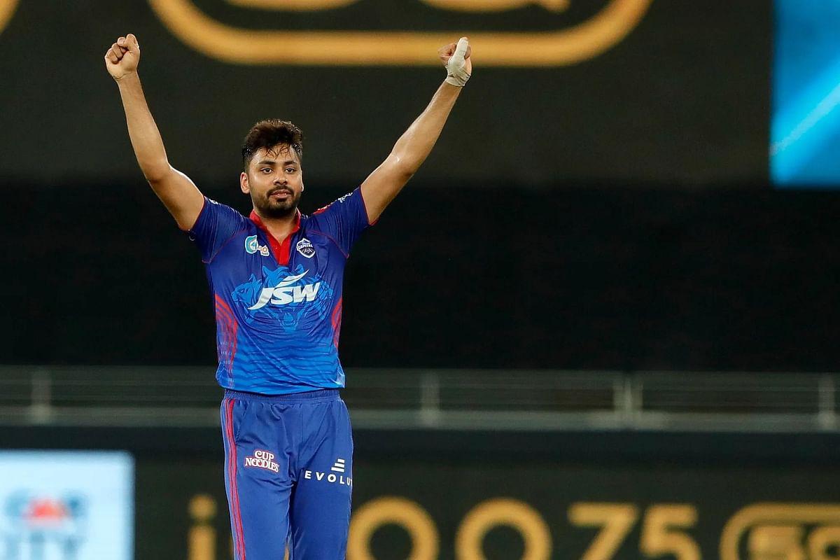 IPL 2021: मैच से पहले दिल्ली के इस गेंदबाज को BCCI से मिली बड़ी खबर, शानदार प्रदर्शन के लिए मिला इनाम!
