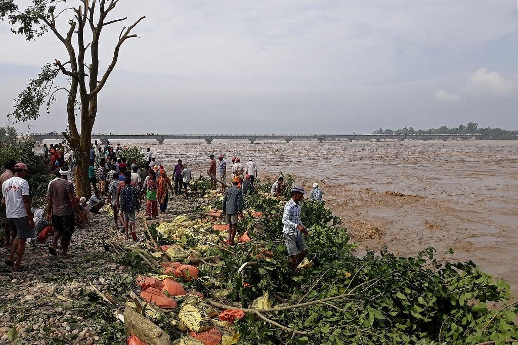 नेपाल में भारी बारिश से 88 लोगों की मौत, 20 जिले प्रभावित, 12 विदेशी नागरिक फंसे