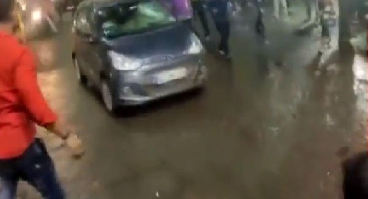 MP News : दुर्गा विसर्जन करने जा रही भीड़ पर युवक ने चढ़ा दी कार, एक की मौत, दो गंभीर