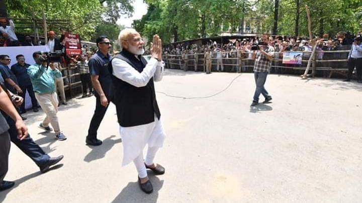PM Modi Varanasi Visit LIVE: पीएम मोदी यूपी रवाना, वाराणसी-सिद्धार्थनगर में करेंगे कई योजनाओं का उद्घाटन