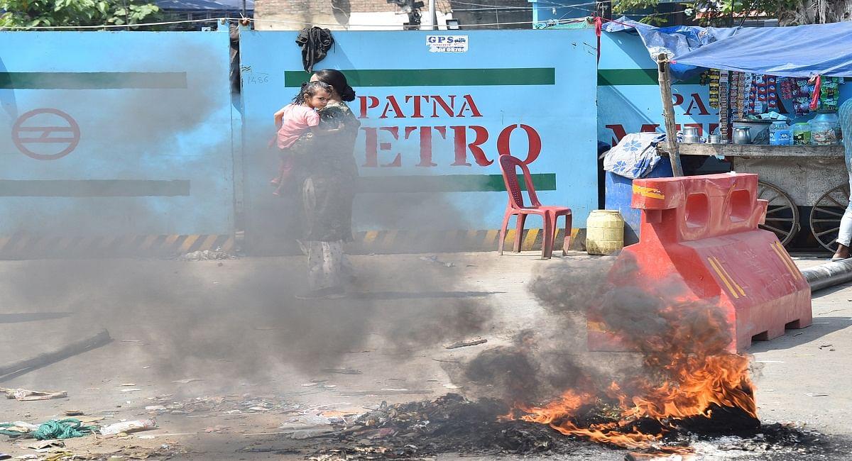 पटना मेट्रो: पुनर्वास का इंतजाम नहीं, अतिक्रमण हटाने पहुंची पुलिस, लाठीचार्ज में चाय दुकानदार की मौत, मचा बवाल