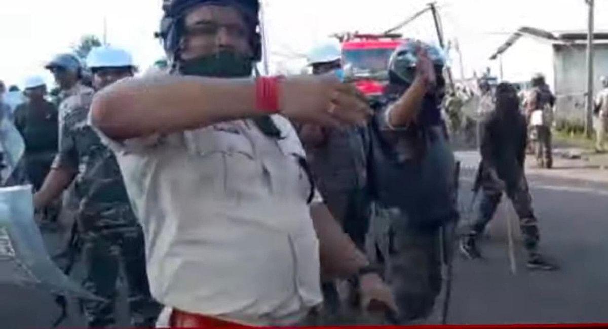 Jharkhand News: हजारीबाग के बानादाग कोल डंप साइडिंग क्षेत्र में पुलिस ने किया लाठीचार्ज, दर्जनों हुए घायल