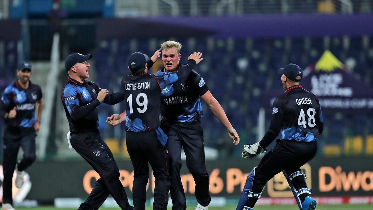 NAM vs SCO T20WC: ट्रंपलमैन और फ्राइलिंक चमके, नामीबिया ने स्कॉटलैंड को चार विकेट से हराया