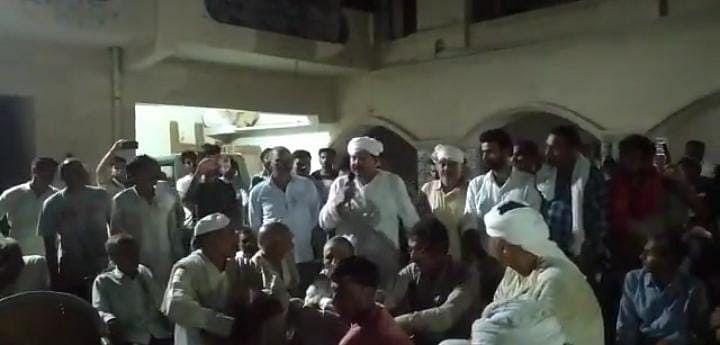 Lakhimpur Kheri News: सिसौली में किसानों की इमरजेंसी पंचायत, देर रात लखीमपुर खीरी पहुंचे राकेश टिकैत, अपटेड