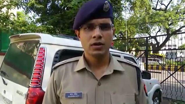 Prayagraj News: प्रयागराज में अवैध पिस्टल से गोली चलाना सीख रहे युवक की मौत, इलाके में हड़कंप