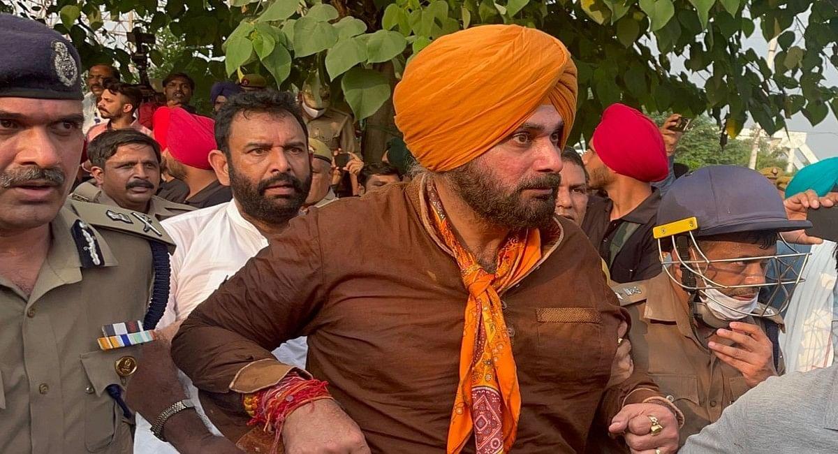 लखीमपुर हिंसा मामले में आज से भूख हड़ताल करेंगे नवजोत सिंह सिद्धू, हरसिमरत कौर पीड़ितों से करेंगी मुलाकात