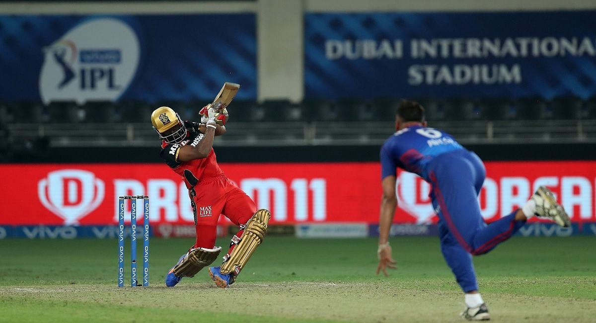 IPL 2021 RCB vs DC : भारत ने आखिरी गेंद पर छक्का जड़ बैंगलोर को दिलाई जीत, हार के बावजूद दिल्ली नंबर वन